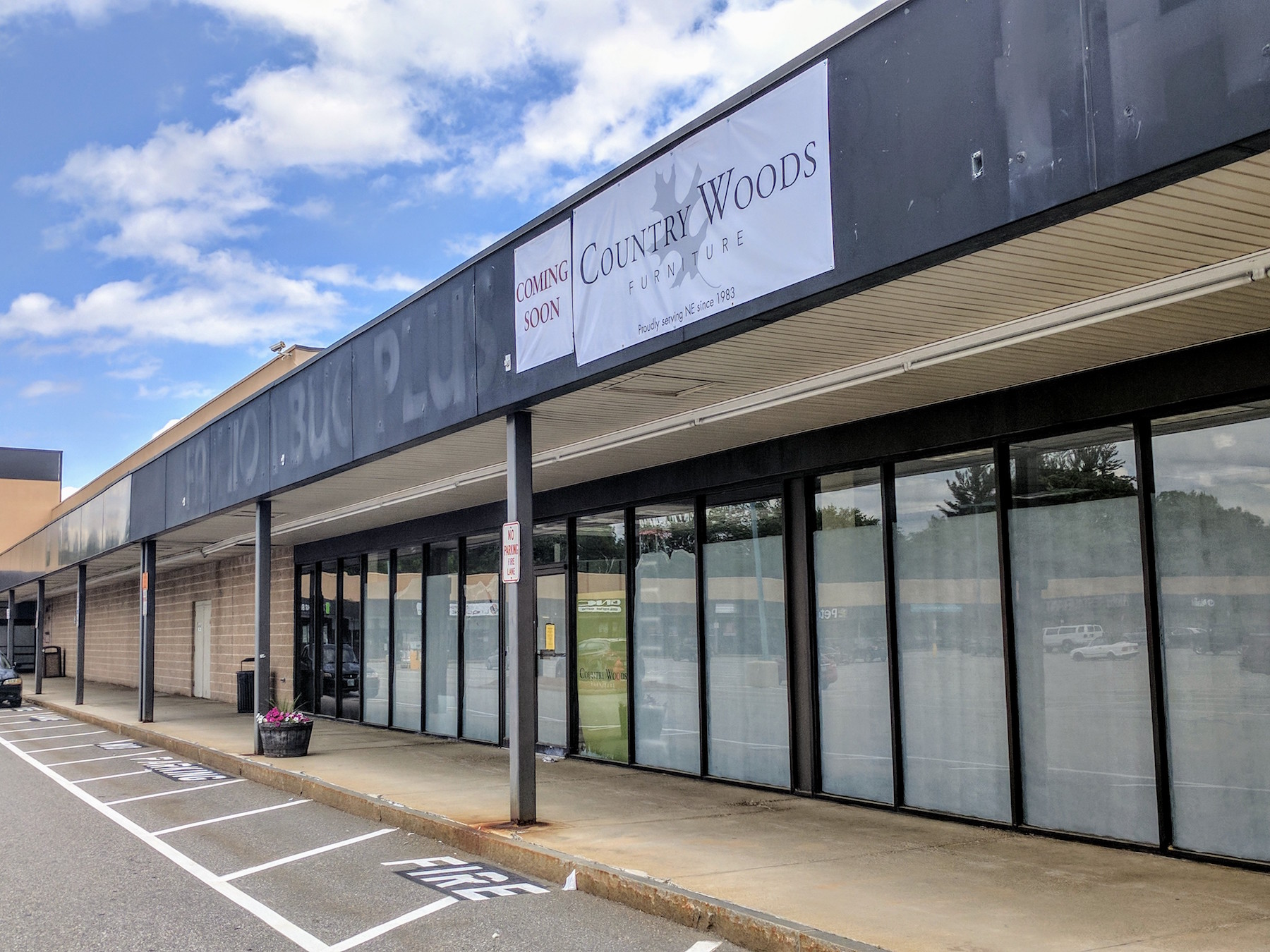 Country Woods Furniture Making The Move From Raymond To East Side Plaza