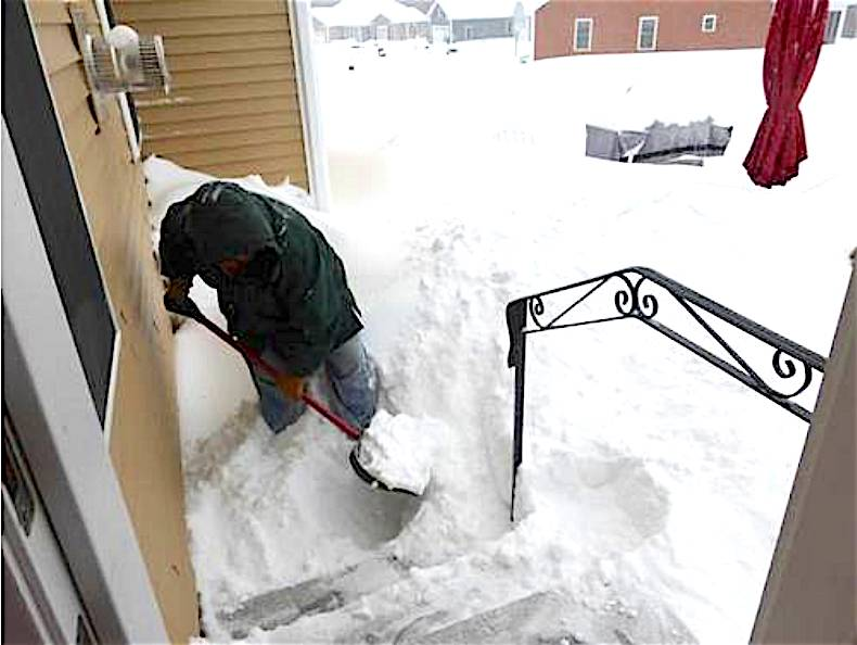 Waiting To Shovel Snow Until It Stops >> It S A Widow Maker Snow Storm Shovel Safety Tips From The Nh