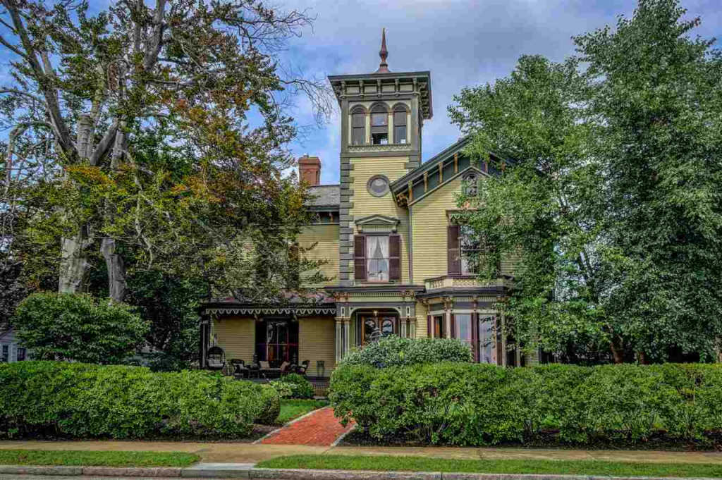 Exquisitely restored Hubbard-Varney Mansion can be yours