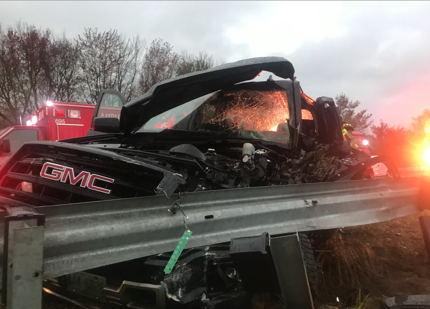 3 injured after pick-up truck, school bus collide on I-293