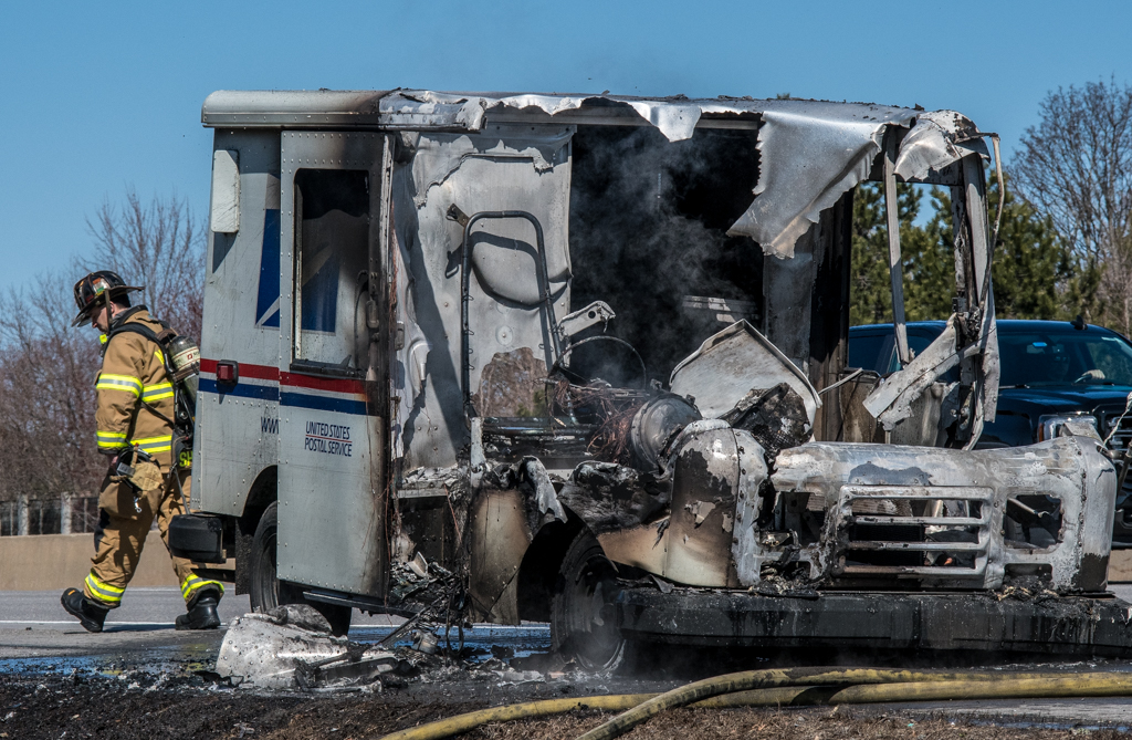 Mail Truck On Fire Pulls Off Everett Turnpike In Nashua Gutted By