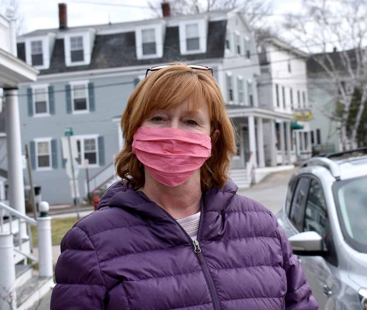 Melania Trump Demonstrates Importance of Face Masks to Slow Coronavirus Spread