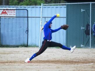 Kiera Gilman pitching